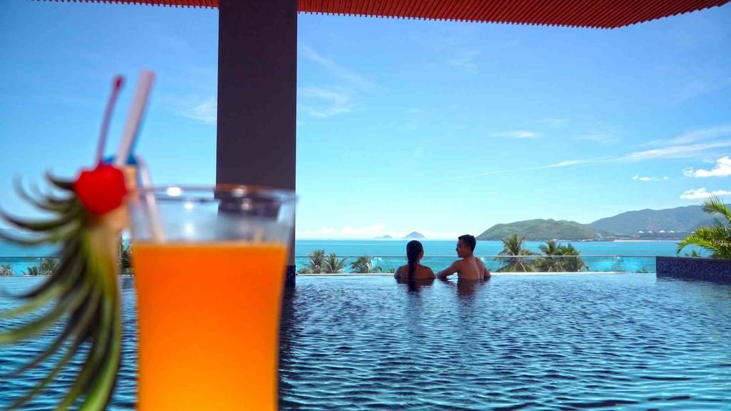 Combo 3N2Đ Queen Ann Nha Trang Hotel 5* + Vé máy bay khứ hồi