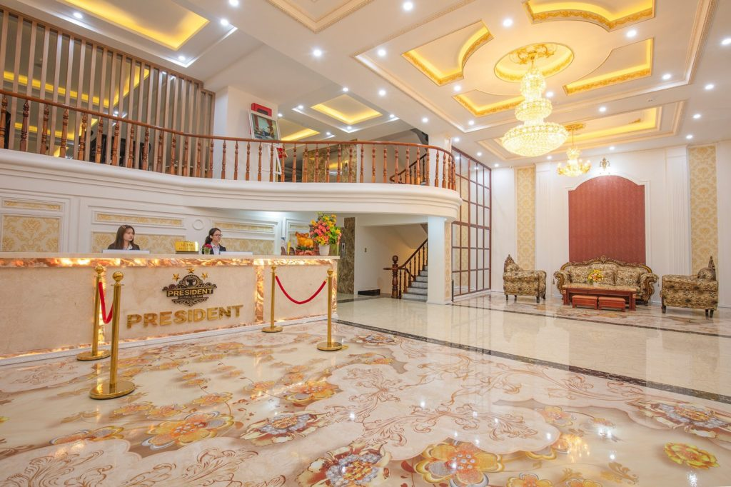 Combo 3N2Đ President Hotel 3* + Vé máy bay khứ hồi