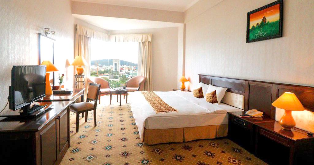 Combo 3N2Đ Sài Gòn Quy Nhơn Hotel 4* + Vé máy bay khứ hồi